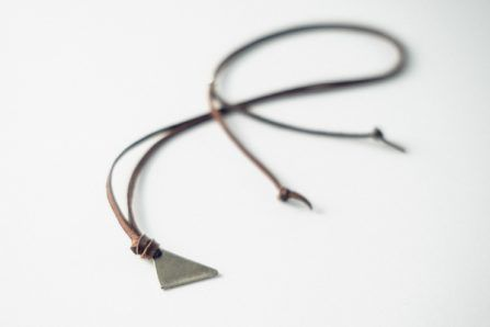 collar triángulo