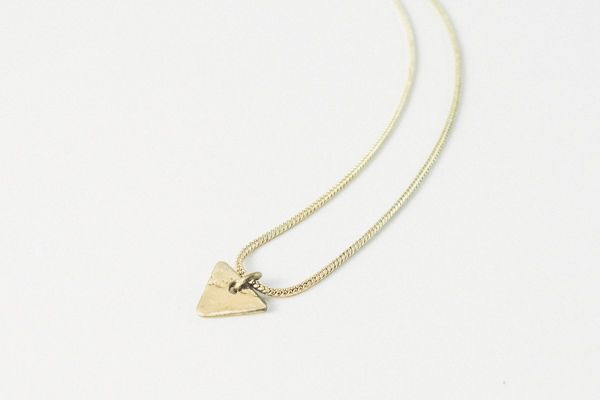 Collar little golden triangulo