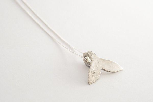 Collar ballena plata